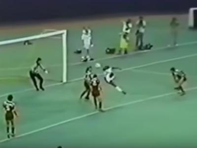 El 'Mago' Cabañas: un acróbata del gol