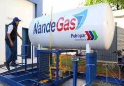 Petropar adquiere más caro el gas, pero vende más barato que firmas privadas