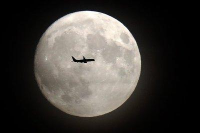 La Luna se formó tras muchos impactos