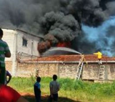 USD 2 millones en pérdidas causa incendio en San Lorenzo