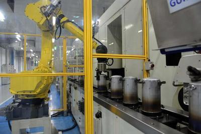 Los obreros, víctimas de la robotización de la producción