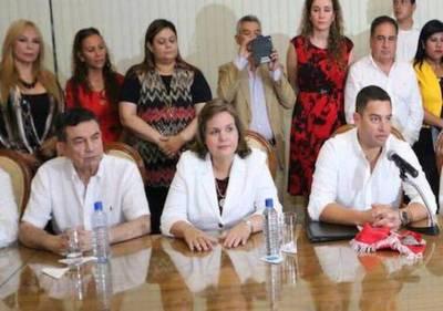 "#QueLaGenteDecida ""sí"" o ""no"" y que se respete, dice Lilian Samaniego"