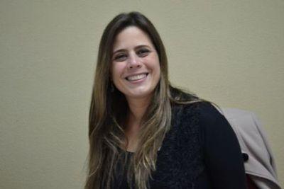 """Kattya González: """"No descarto absolutamente una eventual candidatura"""""""
