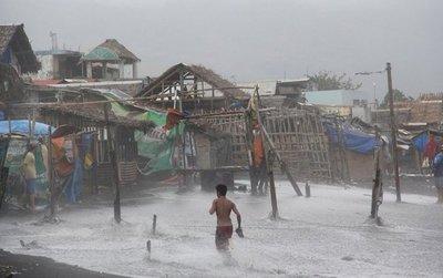 Cuatro muertos y 7.000 evacuados por las inundaciones en Filipinas