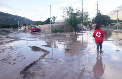 Jujuy: Liberan paso de vehículos, tras alud registrado en la zona