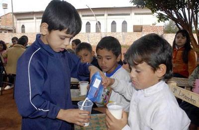 Gobernación de Central espera que lecheros revean postura
