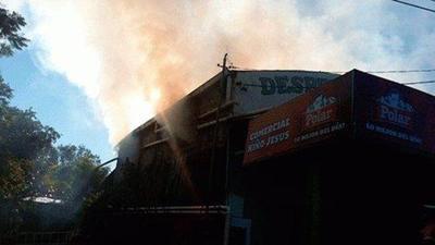 Controlan incendio en Remansito