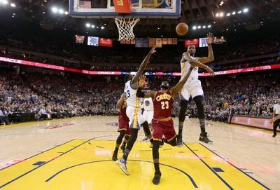 Golden State Warriors venció a Cleveland Cavaliers