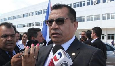 Ministro destaca labor policial y compromete gestionar más recursos