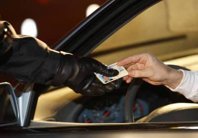 Presentó licencia de conducir que no le pertenecía y fue imputado