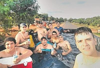 "En Santa Rosa del Aguaray está de moda la ""piscitumba"""
