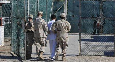 EEUU libera a cuatro presos de Guantánamo