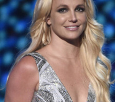 Britney Spears muestra un sexy tatuaje