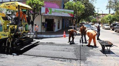 Reparan varias calles y además limpian plazas