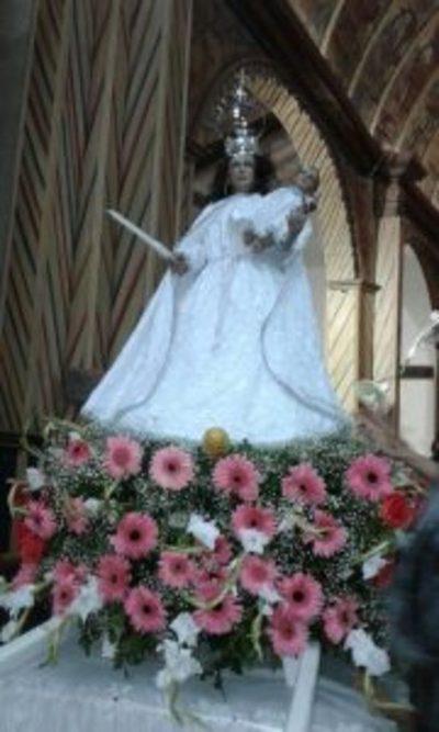Feligreses honran hoy a la Virgen de la Candelaria