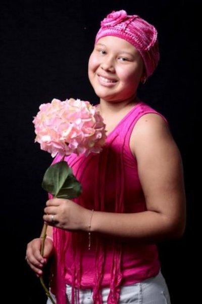 La adolescente con tumor maligno que no se rinde