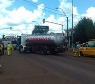 Bomberos cierran ruta en protesta por desvío de aporte a comisaría