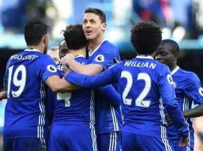 Chelsea aplastó al Arsenal y es más líder que nunca