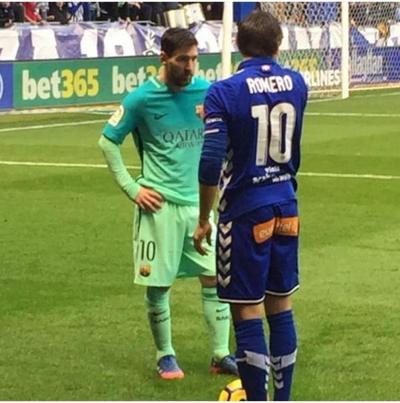 El Barça se divierte ante Alavés de Romero