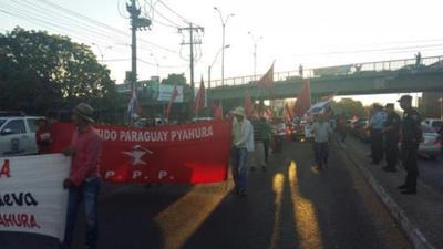 Paraguay Pyahurã inicia marcha con dirección al Congreso