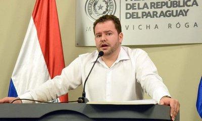 Tras crítica, los ministros ya no huyen de la prensa