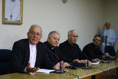 """Arzobispo dice que manoseo a una mujer fue un """"pecado leve"""""""