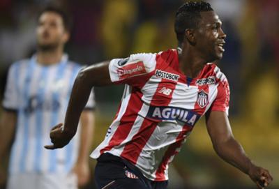 Junior saca ventaja a Atlético Tucumán