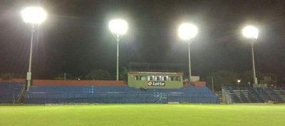 Independiente prueba lumínicas y motivado piensa en Olimpia