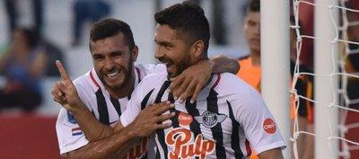 Con la ley de ex, Santiago Salcedo buscará gol #100