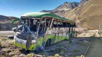Unas 19 personas murieron tras volcar un autobús en Argentina