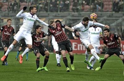 Milan escala con Gómez
