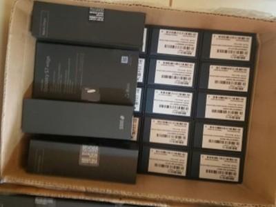 Investigan esquema de contrabando de celulares vía courier