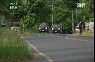 Dos jóvenes mueren tras chocar contra camión