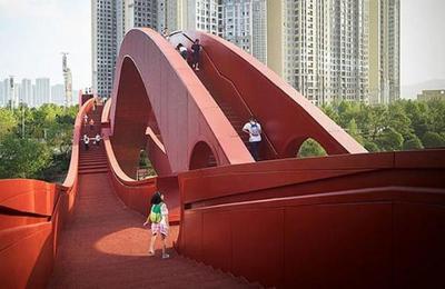 El puente de 185 metros con forma de dragón que asombra a todo el que lo ve