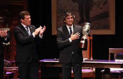 Exfutbolistas fueron homenajeados en el teatro Macció