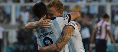 Atlético Tucumán gana y se mete a la fase de grupos de la Copa