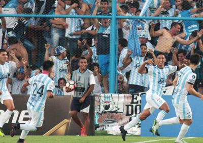 Tucumán hace historia y clasifica en la Copa