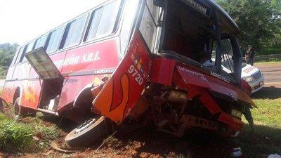 Heridos leves tras accidente de bus