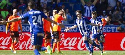Alavés, con Romero, lo da vuelta y vence al Valencia