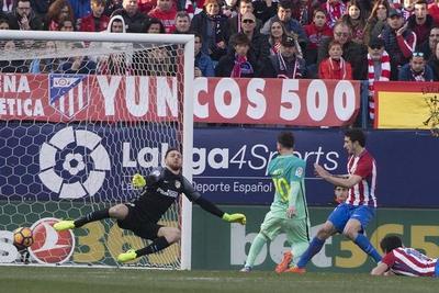 El Barça toma el Calderón y se coloca líder provisional