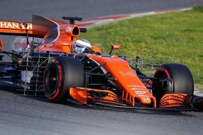 El nuevo coche de Alonso duró una vuelta