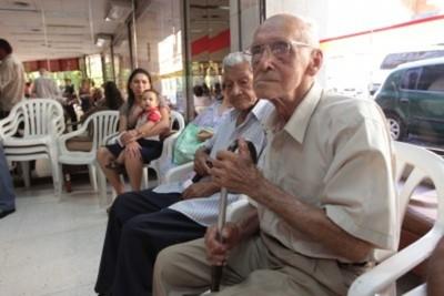 Programa de pensión alimentaria incorporó a más de 3.000 adultos mayores