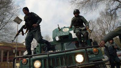 Unos 30 muertos en atentado en el mayor hospital de Kabul