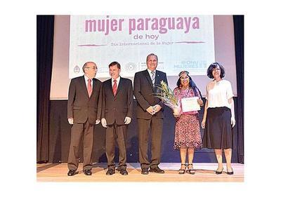 Embajada argentina distingue a paraguayas