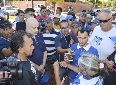 Cientos echaron a Cubas de Concepción