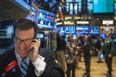 Wall Street pierde el rumbo y el Dow Jones cede un 0,13 %