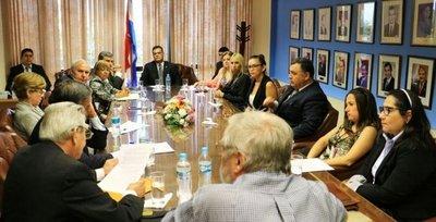 Promueven interpelación al ministro Peña