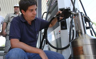 Gobierno apuesta a seguir reduciendo nivel de azufre en combustibles