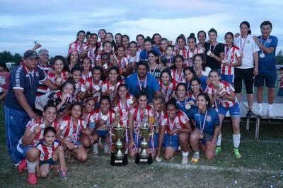 Inicia temporada de fútbol femenino con triangular de pre-ascenso