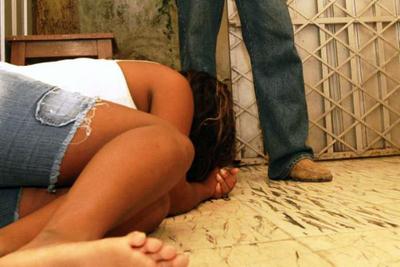 Diez años de cárcel por abusar de su hijastra